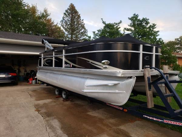 Photo 2012 22 foot Gently used pontoon boat - $25000 (Lowell)