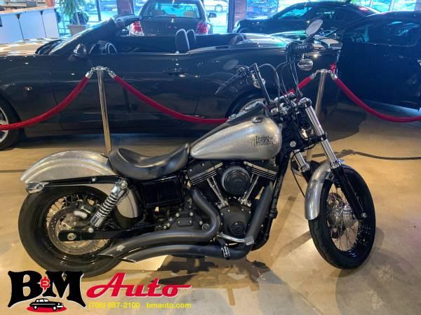 Photo 2015 Harley-Davidson Dyna Street Bob - Only 1,100 miles - $10,900 (Oak Forest)