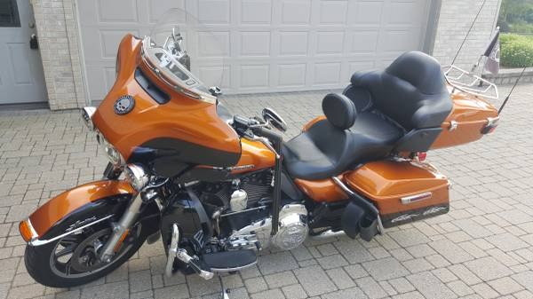 Photo 2015 Harley Ultra Limited Low - $15,900 (Belvidere)