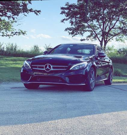 Photo 2015 Mercedes-Benz c300 2015 - $22,500 (Addison)