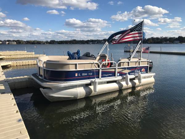 Photo $22,000 2019 Sun Tracker 18.5 Party Barge Pontoon with 75hp Mercury 4 Str - $22,000 (Cary)