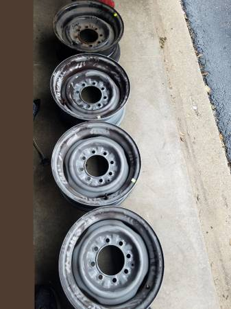 Photo 4 , 8 lug ford van rims - $75 (bolingbrook)