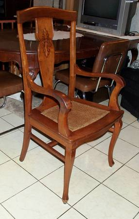 Photo ACCENT CHAIR for Kitchen Dining Table Desk vintage wood Furniture - $10 (Villa Park)