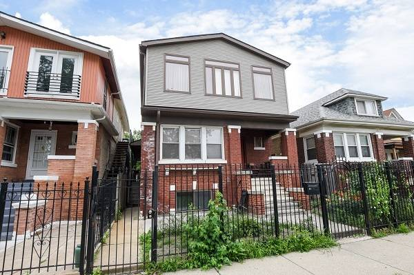 Photo A large home, perfect for the extended family in Humboldt Park (Humboldt Park)