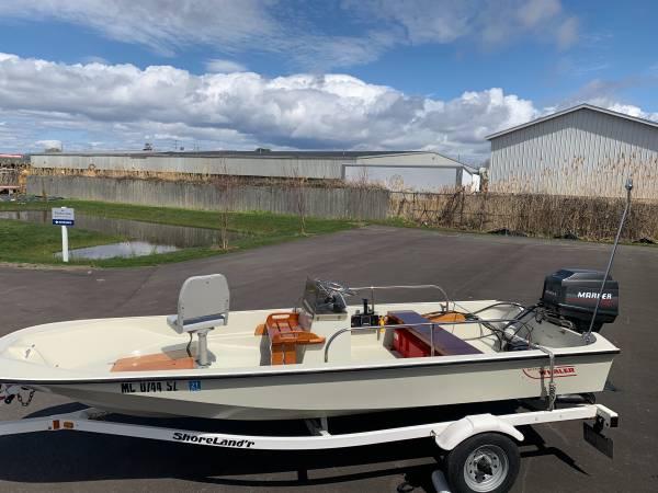 Photo Boston whaler - $18,500 (Grand Haven)