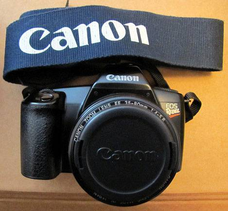 Photo Canon EOS Rebel 35mm Film Camera w EF 35-80mm 14-5.6 Zoom Lens Strap - $40 (Des Plaines)