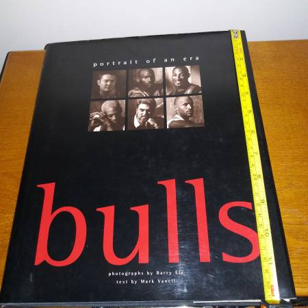 Photo Chicago Bulls Basketball 1998 Hard Cover Photo Book New Michael Jordan - $15 (Chicago)