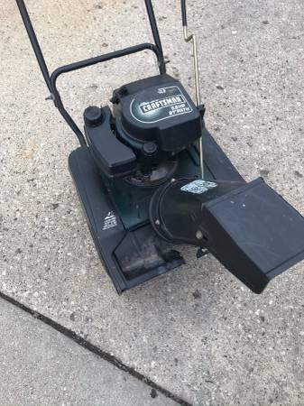 Photo Craftsman Snow Thrower Needs Repair - $30 (Glenview)