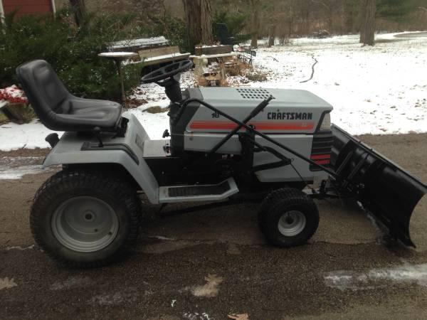 Photo Craftsman riding lawn mower ,snow plow - $725 (oswego)