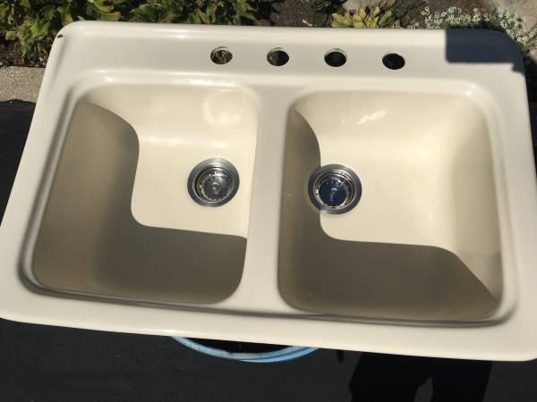 Photo Dekor Fiberglass Kitchen Sink ALMOND-Double Bowl - $35 (Justice)