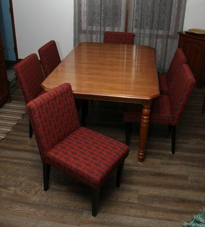 Photo Dining room chairs - $70 (city of West Chicago (far west Dupage County))