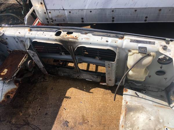 Photo Dodge core support first gen - $250 (Lily lake)