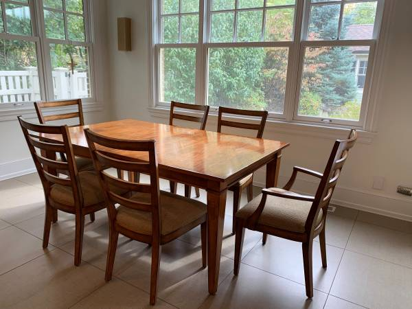 Photo Ethan Allen Dining Room Set  Bar Chairs - $950 (Mount Prospect)