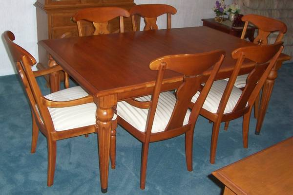 Photo Ethan Allen Maple Dining Table  Chairs Country Crossings. - $695 (Fox Lake)