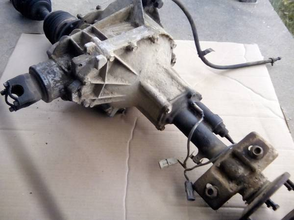 Photo Front Differential 4.10 ratio - Chevy GMC Truck - $100 (Fox Lake IL)