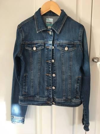 Photo Girls Old Navy Medium Wash Jean Jacket Size XL (12-13) - $10 (Naperville)