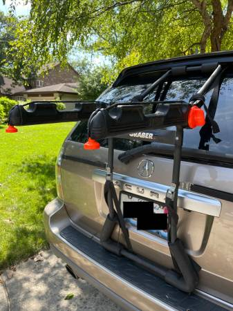 Photo Graber Trunk Rear Bike Rack for 3 bikes with extra parts - $40 (Park Ridge)