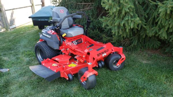 Photo Gravely ZT HD 52 zero turn ztr riding rider mower tractor - $5,200 (Portage, IN)