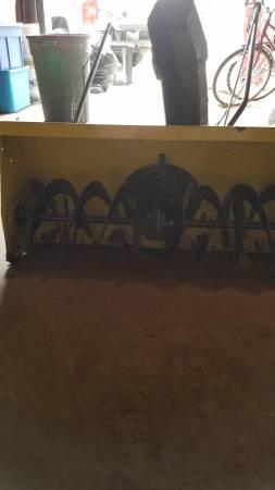 Photo John Deere 2 stage snowblower - $200 (Hebron Indiana)