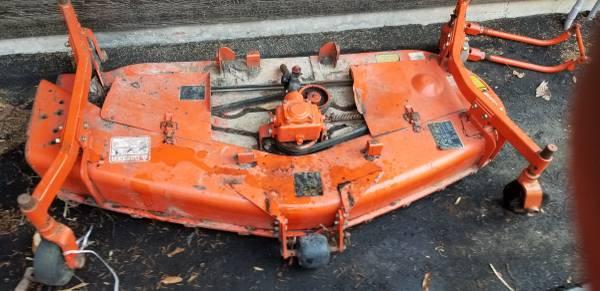 Photo Kubota rc60-71b mid mount belly mower - $850 (La porte)