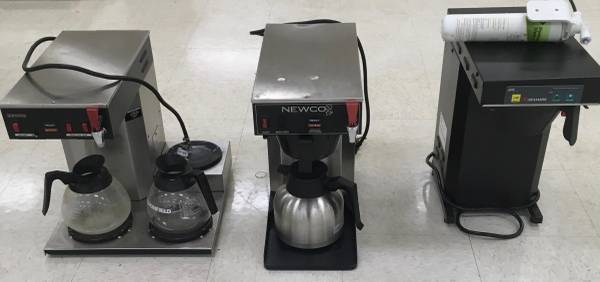 Photo LOT OF 3 COMMERCIAL COFFEE MAKERS - $75 (Shorewood)