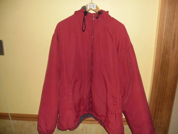 Photo MEN39S WINTER COAT DULUTH TRADING CO. 3XL-RED-PRE-OWNED - $30 (Des Plaines)