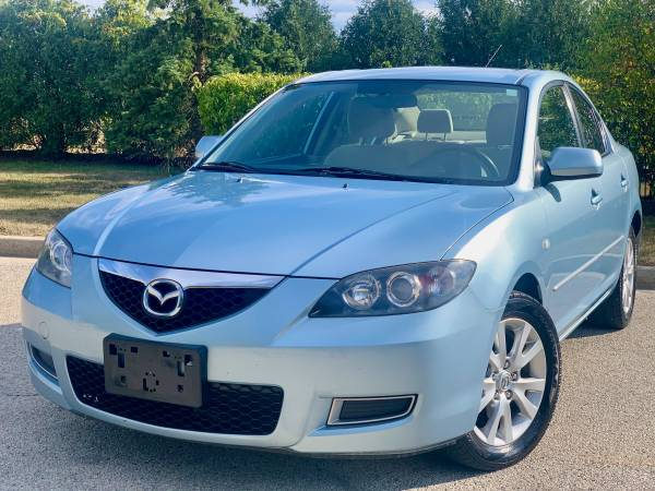 Photo Mazda 3 SPORT 1 Owner Clean Carfax Showroom condition - $5,900 (Schaumburg IL)