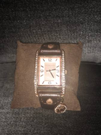 Photo Michael Kors Calf Leather Rose Gold watch - $150 (Des Plaines)