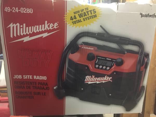 Photo Milwaukee Rockford Fosgate Job Site Radio Chargers - $135 (Justice)