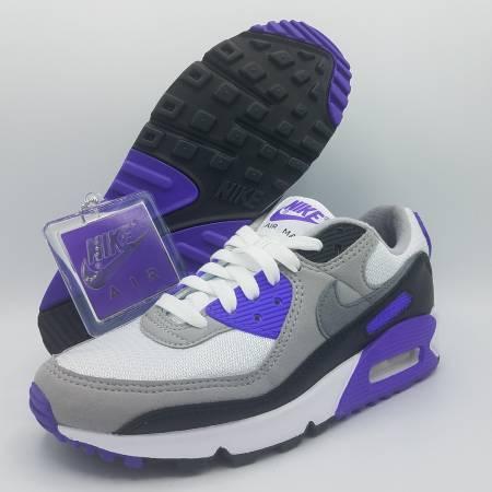 Photo NEW Nike Air Max 90 Recraft wKey Chain Hyper Grape Purple Womens 6.5 - $125 (Naperville)