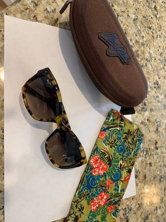 Photo New Maui Jim Plumeria Cat Eye Polarized Sunglasses - $175 (FOX RIVER GROVE)
