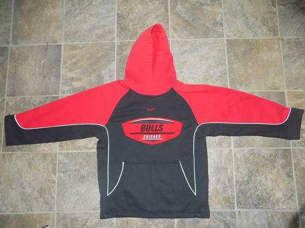 Photo Nike Chicago Bulls Pullover Sweatshirt Hoodie Youth Possibly Size 6-8 - $8 (Roselle)
