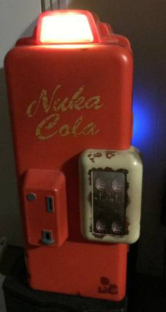 Photo Official Fallout 4 Nuka-Cola Mini Fridge. In Amazing Condition. - $200 (midway)