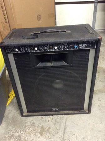 Photo Peavey KB-300 KB300 Keyboard Guitar 3 Channel Amplifier Amp - $300 (Wauconda)
