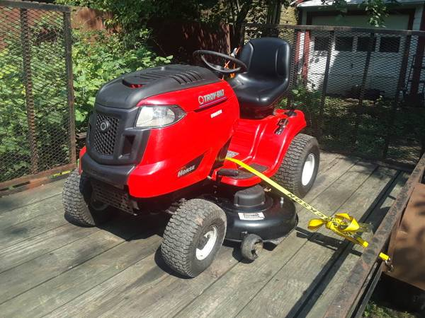 Photo RIDING LAWN MOWER EQUIPMENT PICK UP AND DELIVERY (St charles il)