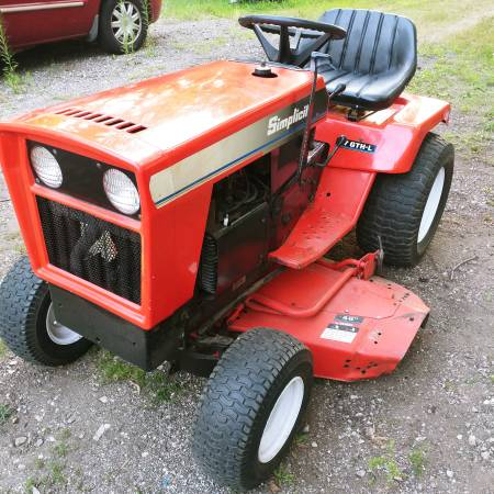 Photo Simplicity 17GTH-L 17HP 48quot mower deck. - $700 (Spring Grove)