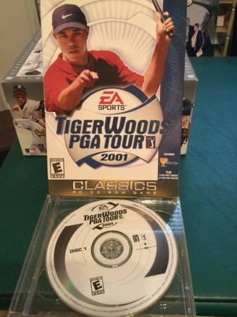 Photo Tiger Woods EA Sports PGA Tour 2001 PC Game - Excellent Condition - $8 (Buffalo Grove)