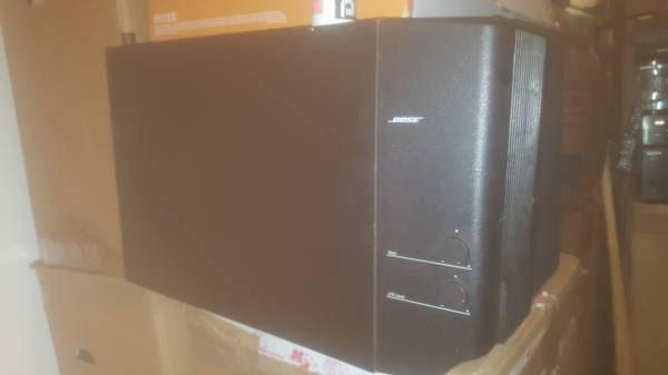 Photo Used BOSE acoustimass 15 home theater speaker system - $150 (Waukegan)