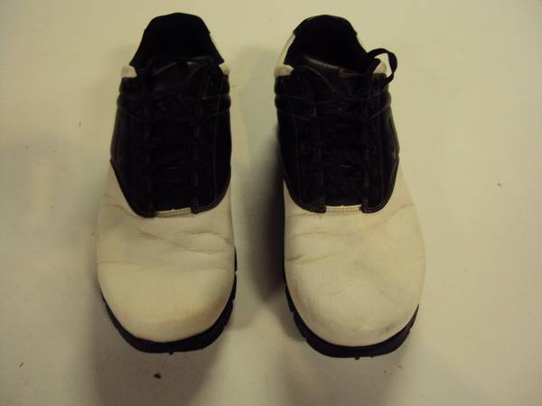 Photo Used pair of Nike Performance Golf Spikes Size 10.5 Wide - $20 (Mokena, IL.)