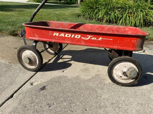 Photo Vintage 50 - 6039s  RADIO Jet Pull Wagon Red 34quot - $150 (Prospect Heights)