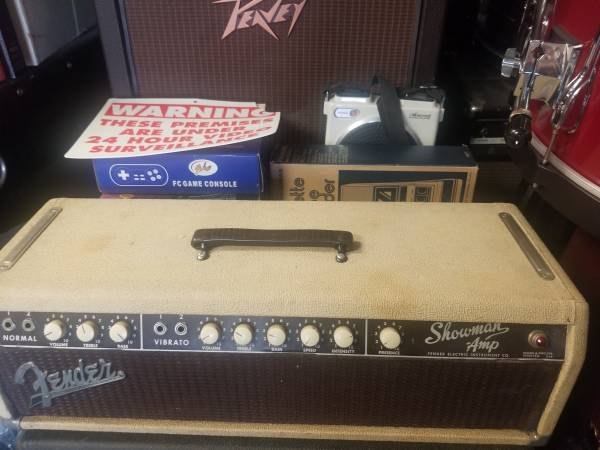 Photo Vintage early 1960s blonde fender showman guitar lifier head - $1,500 (Yorkville)