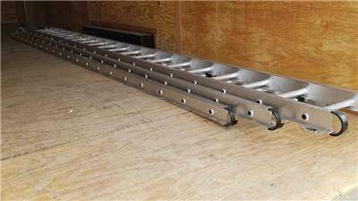 Photo Werner 60 foot aluminum extension ladder - $900 (woodstock il)