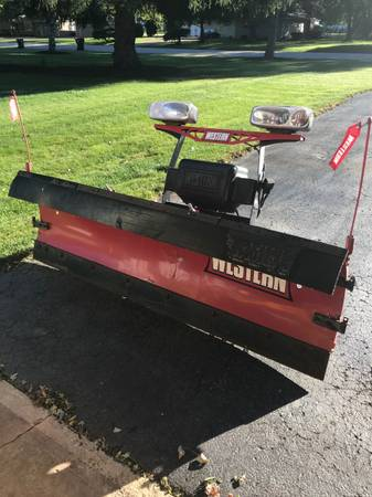 Photo Western Snow Plow - $2,300 (Oswego)