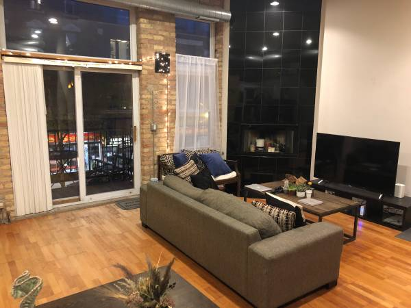 Photo Wicker Park Loft Share 1 private bedroom available - $925 (Wicker Park)
