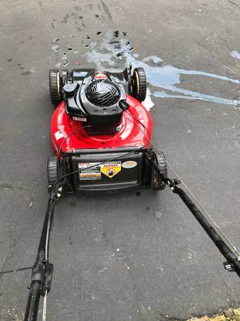 Photo Yard Machines 5 HP 21quot Self Propelled FWD Walk Behind Mower - $115 (Lombard)
