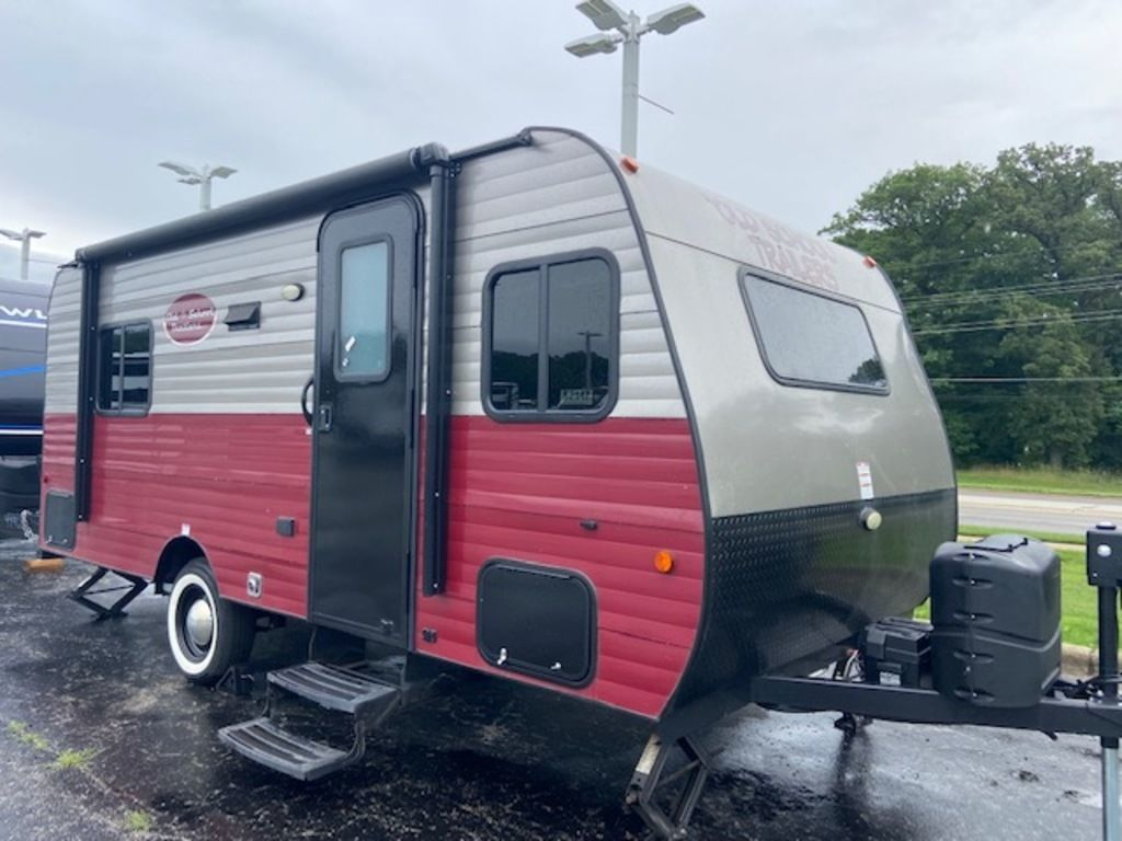 Photo Used 2020 Old School Trailers Travel Trailer RV  $19800