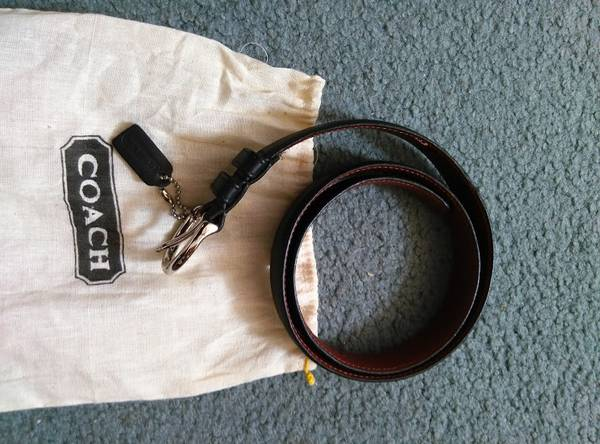 Photo coach leather belt and bag - $8 (rogers park)