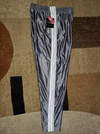 Photo quotNEWquot tags on CROFT  BARROW SPORT TEARAWAY PANTS - $10 (Lombard)