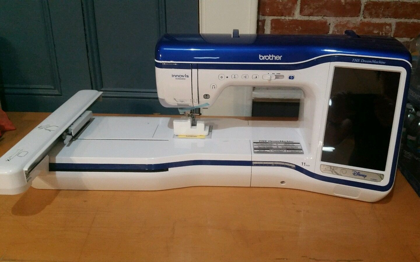 Photo Brother innovis VX8500D computerised touchscreen sewing,embroidery,quilting machine