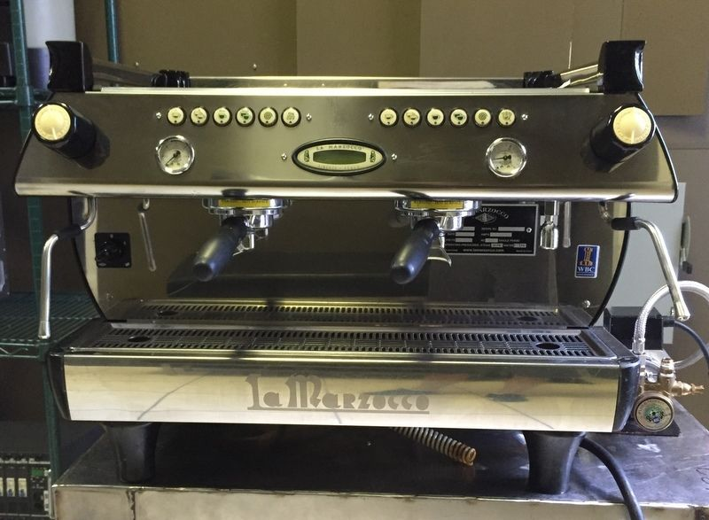 Photo La Marzocco GB5 2 Group EE (Semi-Automatic) Espresso Machine